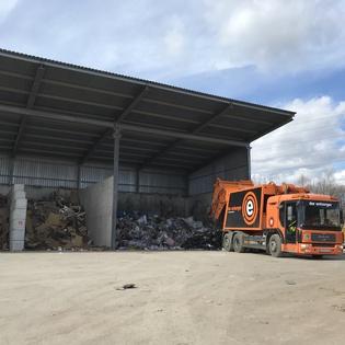 Abfall Übernahme neu in Stockerau für diverse Abfälle aus Gewerbe und Privat